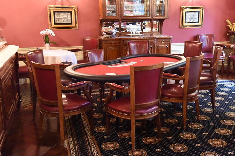 Pokertisch in gehobenen Ambiente