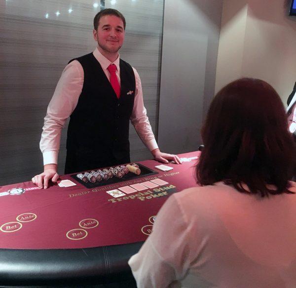 Tropical Stud Tisch mit Dealer